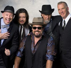 The Mavericks en concert le 7 mars 2015 au Divan du Monde 19