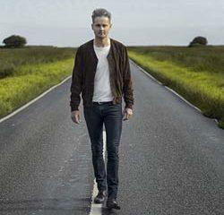 Le chanteur du groupe Keane se lance en solo 6
