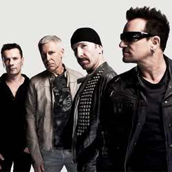 U2 rend hommage aux victimes des attentats avec Patti Smith 5