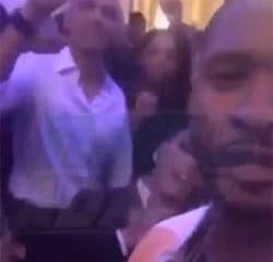 VIDEO : Barack Obama se lâche avec Usher 13