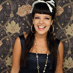 Lily Allen sort un nouveau video clip 5
