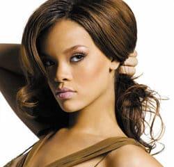 Rihanna seins nus pour GQ 9