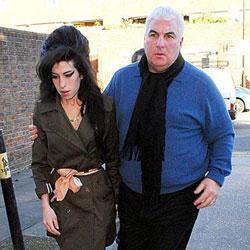 Amy Winehouse : Son père suit ses traces 5