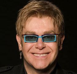 Elton John est interdit d'adoption 11