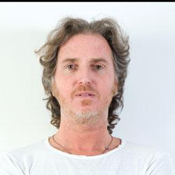 Julien Baer <i>Le LA</i> 5