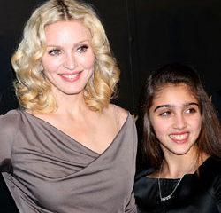 Madonna présente sa fille sur scène 9
