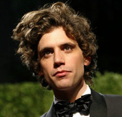 Mika chante <i>Poker Face</i> de Lady Gaga 8