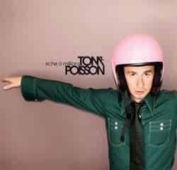 """Tom Poisson : Regardez le clip de """"Mon ami sans voix"""" 6"""