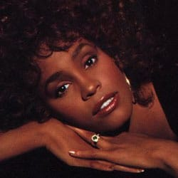 Whitney Houston revient avec un nouvel album 5