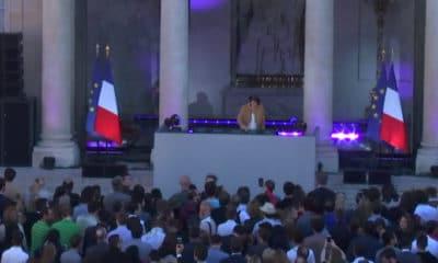 La cour de l'Elysée transformée en immense night club pour la fête de la musique