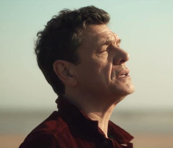 """Marc Lavoine dévoile le clip du single """"Comme je t'aime"""""""