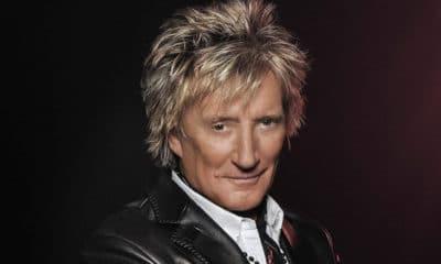 """Rod Stewart annonce son grand retour avec la sortie le 28 septembre prochain de son nouvel baptisé """"Blood Red Roses""""."""
