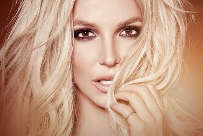 """Britney Spears a posté une photo sur laquelle est inscrit """"Hidalgo dégage"""". La maire de Paris a répliqué sur Twitter"""