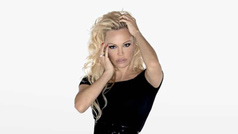 """Pamela Anderson se confie sur sa participation à la neuvième saison de """"Danse avec les stars""""."""