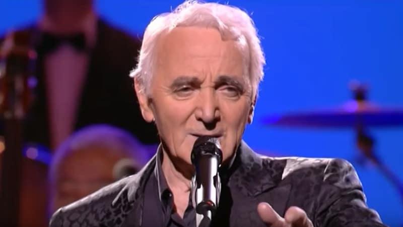 Charles Aznavour, décédé ce lundi à l'âge de 94 ans, aura droit à des obsèques nationales aux Invalides