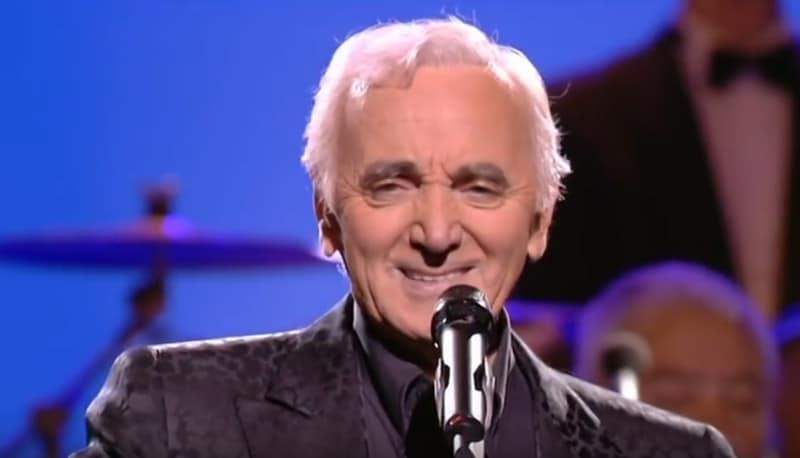 Le chanteur franco-arménien Charles Aznavour est mort ce lundi à l'âge de 94 ans