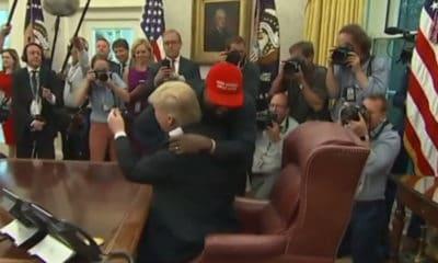Ce n'est plus une surprise, mais Donald Trump et Kanye West s'adorent. Ils l'ont une nouvelle fois prouvé ce jeudi, lors d'un entretien à la Maison Blanche