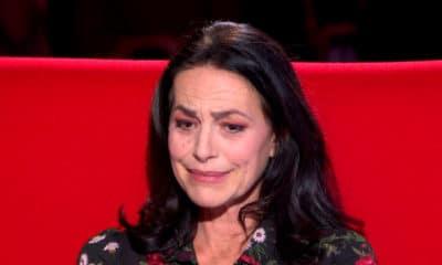 Invitée sur le divan de Marc-Olivier Fogiel, la chanteuse Lio, en larmes, évoque son enfance difficile
