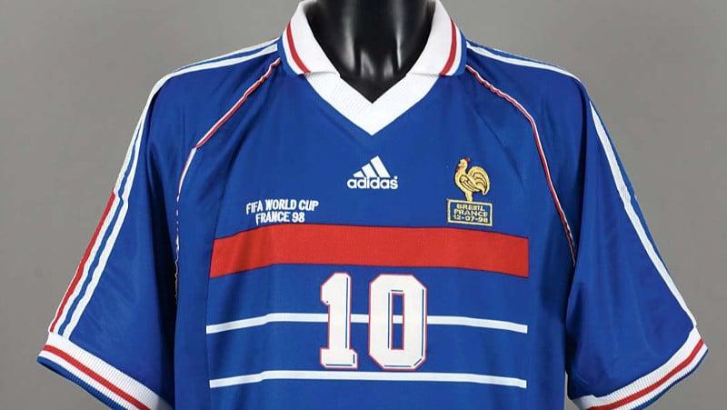 De nouveaux éléments ont fait naître un doute sur l'authenticité du maillot porté par Zidane lors de la finale 98