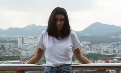 """Jenifer vient de dévoiler le clip de """"Encore et encore"""", le tout nouveau single extrait de son dernier album baptisé """"Nouvelle Page"""""""