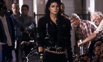"""La veste que portait Michael Jackson durant sa tournée record """"Bad World Tour"""" vendue à 300.000 euros"""