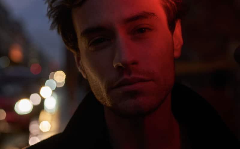 """Max Jury annonce la sortie de son nouvel album """"Modern World"""""""