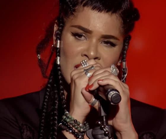 La chanteuse de Shaka Ponk victime d'une agression à Paris