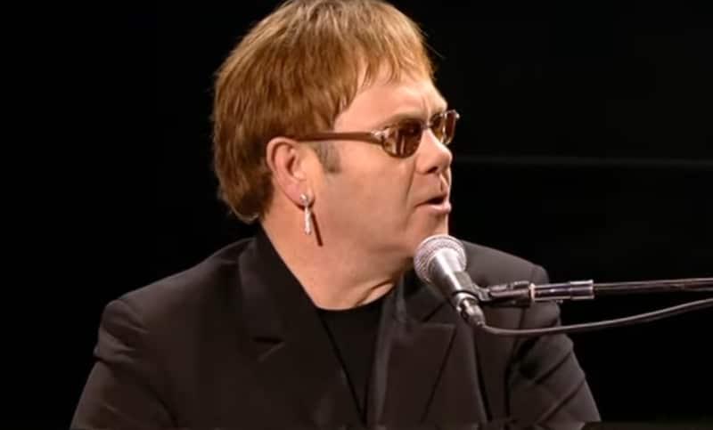 Elton John annonce un concert supplémentaire à Paris le 11 octobre 2020
