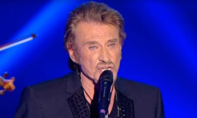 379 guitaristes rendent hommage à Johnny Hallyday