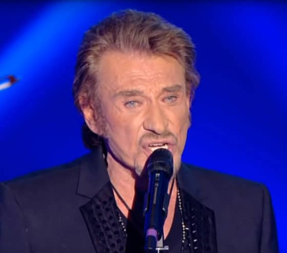 379 guitaristes rendent hommage à Johnny Hallyday