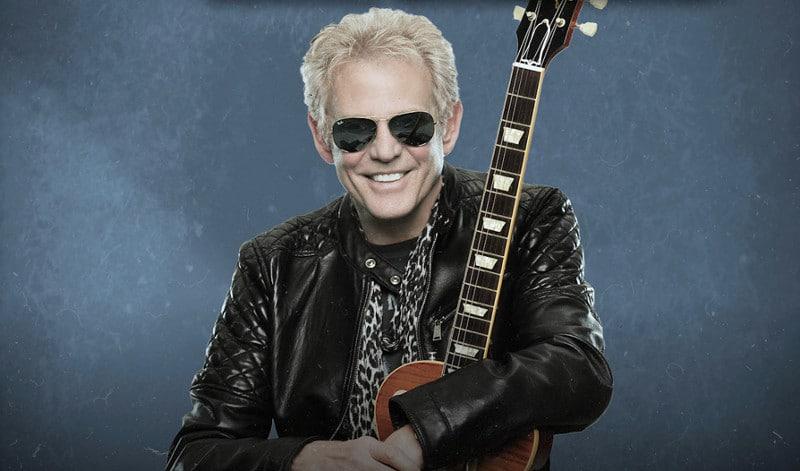 Don Felder, l'ancien guitariste des Eagles, en concert à Paris