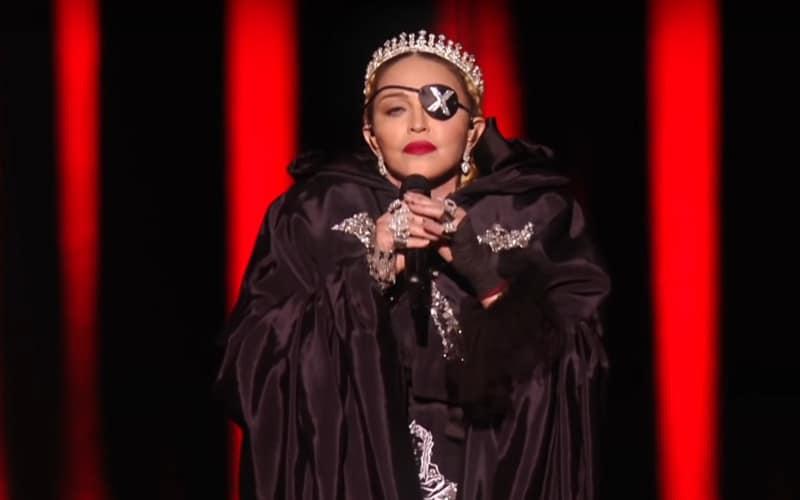 Madonna confie avoir contracté le coronavirus