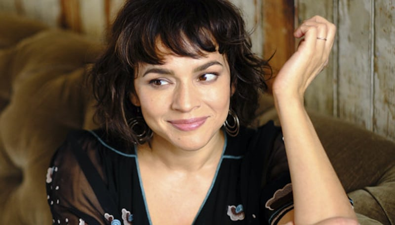 Norah Jones dévoile l'album Pick Me Up Off The Floor