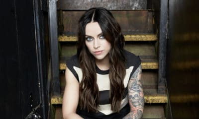 Amy Macdonald sort l'album The Human Demands