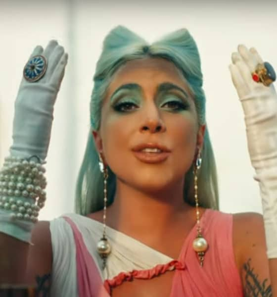 Lady Gaga dévoile le clip du single 911