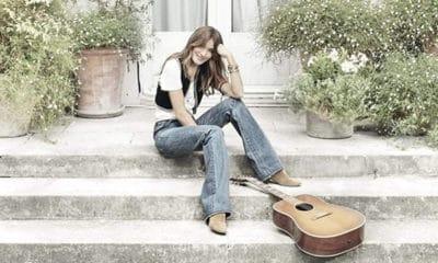 Carla Bruni de retour avec un nouvel album éponyme