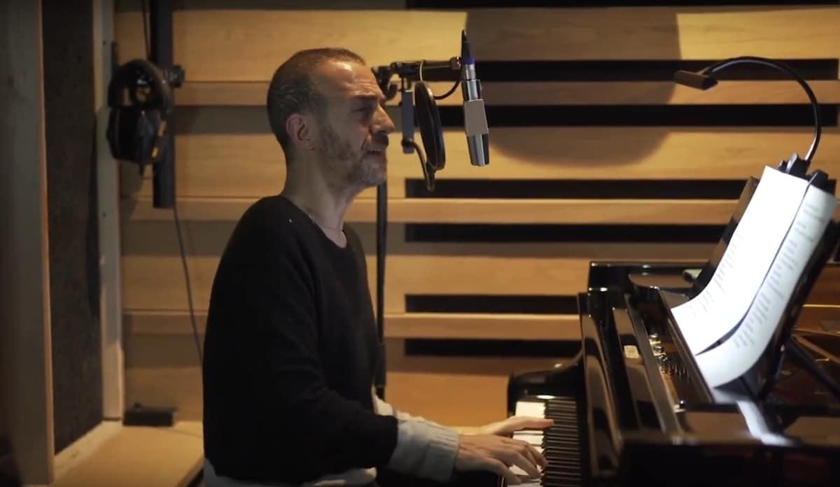 Calogero offre une version acoustique de son titre « Celui d'en bas »
